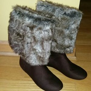 REPORT Signature Brown Fur Lined Roll Downs